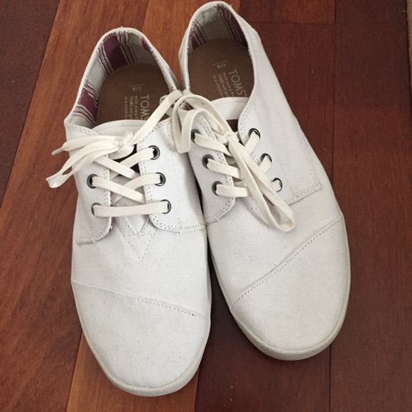 0f6f43fa4ee Men s TOMS paseo lace up casual shoes. M 5b1ae1ed6197457a28cfcdc1